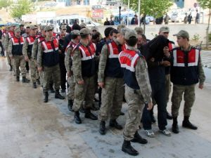 Elazığ'da 20 Kişilik Hırsızlık Çetesi Adliyeye Sevk Edildi