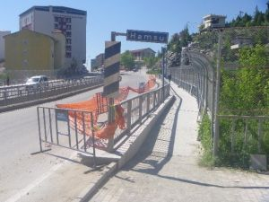 Hamsu Köprüsünün Yaya Geçidinin Zemini Bazalt Taşı İle Kaplanıyor