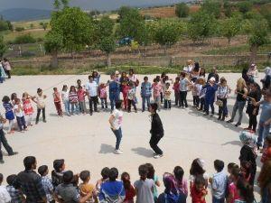 """Eksi 7 Topluluğu'ndan Duruca Köyü'nde """"Farkındalık"""" Etkinliği"""