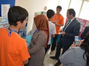 """Anadolu İmam Hatip Lisesinde """"Bilim Fuarı"""" Düzenledi"""