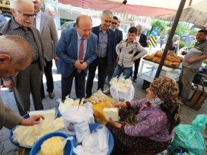 Başkan Özakcan'a Pazar Ziyaretinde Yoğun İlgi