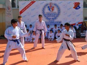 Aydın'da Gençlik Haftası Etkinlikleri Tüm Hızıyla Devam Ediyor