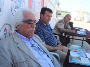 Tarihçi Yazar Bahadıroğlu Kitaplarını İmzaladı