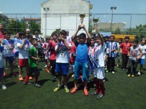 Aydın Ticaret Odası İlkokulu Namağlup Şampiyon