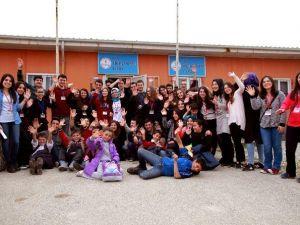 İhlas Koleji'ne Değerler Eğitimi Ödülü