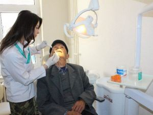 Diş ETİ Kanamaları Diş Kaybına Yol Açabilir