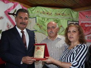 Tortek Kursiyerleri, Başkan Tuna'ya Plaketle Teşekkür Etti
