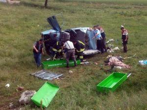 Mezuniyet Törenine Giderken Kazada Öldüler
