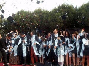 Nazilli Sağlık Hizmetleri Meslek Yüksek Okulu Mezunlarını Uğurladı