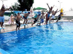 Bayraklı'da Yüzme Bilmeyen Kalmayacak