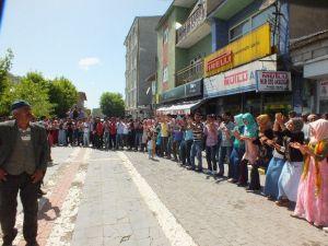 Malazgirt'te Seçim Kutlaması