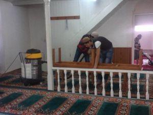 Gömeç'te Tüm Camiler Belediye Tarafından Temizleniyor