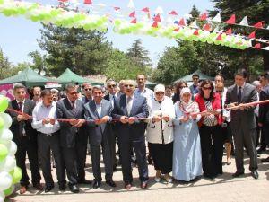 Bingöl'de 3. Halk Eğitim Merkezleri Fuarı Açıldı