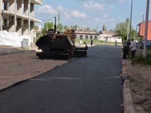 Başkan Karaçanta Asfalt Finişer'ine Çıkarak Asfalt Attı