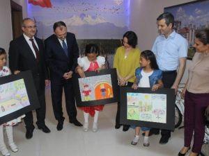 Sügav Resim Yarışması'nda Derece Giren Öğrencilere Ödülleri Verildi