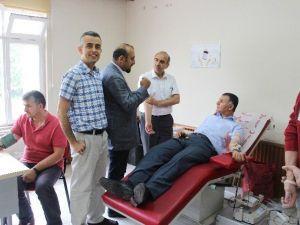 Sağlık Çalışanlarından Kan Bağışı
