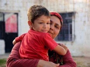Yürüyemeyen Küçük Ramazan Yardım Bekliyor