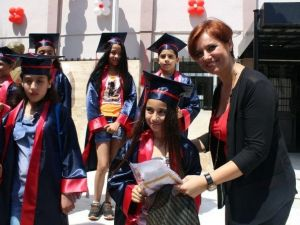 İzmir'de 672 Bin 580 Öğrenci Karne Aldı