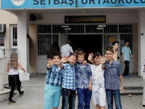Bursa'da Yarım Milyon Öğrenci Karne Sevinci Yaşadı