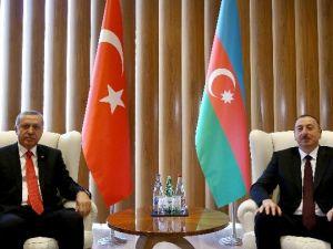 Cumhurbaşkanı Erdoğan, Azeri Mevkidaşı Aliyev İle Başbaşa Görüştü