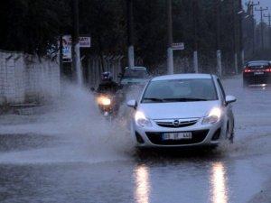 Aydın'da Yağış Hayatı Olumsuz Etkiledi