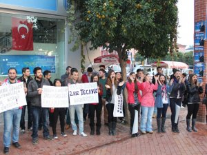 Üniversiteli Kızlardan 'Tecavüze ve Kadına Şiddete Hayır' Eylemi