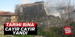 Tarihi ev cayır cayır yandı