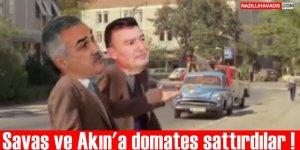 AK Partili Savaş ve MHP'li Akın'a domates şoku !