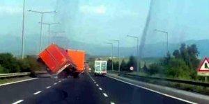 Korkutan Trafik Kazası!