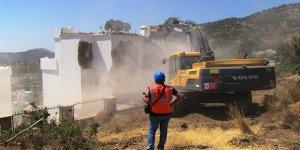 Kaçak binalar yıkılıyor!