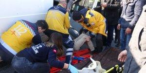 Aydın'da minibüs ile otomobil çarpıştı: 3 yaralı