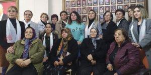 CHP'DEN ŞEHİT ANNELERİNE ZİYARET