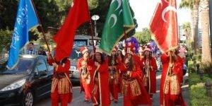 Didim Gençlik Festivalinde Bayan Mehteranlar Beğeni Topladı