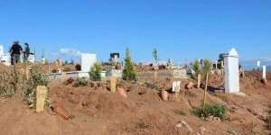 Aydın'da Ölüm Oranları Artınca Mezarlıklarda Çalışmalar Hızlandı