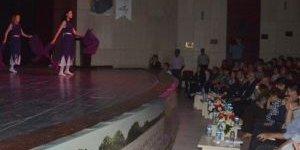 """Afyonkarahisar'da """"Geçmişten Günümüze Karahisar"""" Dans Gösterisi"""