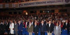 Fatih Sultan Mehmet Vakıf Üniversitesi İlk Lisans Mezunlarını Verdi