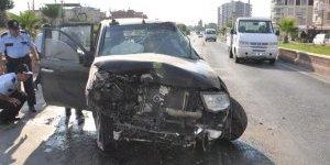 Kadın sürücüyü hava yastığı kurtardı