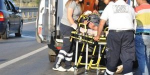 İki otomobil kafa kafaya çarpıştı: 7 yaralı