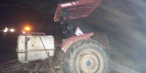 TIR traktöre çarptı: 1 yaralı