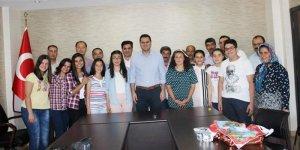 Buharkent Kaymakamı, Fen Lisesi'ni kazanan öğrencileri ağırladı
