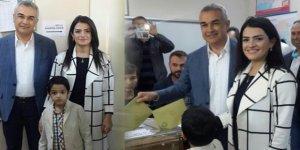 Mustafa Savaş, oyunu eşi ve oğlu ile birlikte kullandı