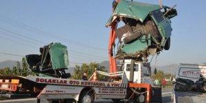 Germencik'te feci kaza : 2 ölü 9 yaralı