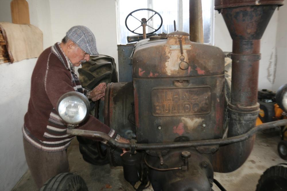 68 yıllık traktörü 50 bin avroya satıyor 1