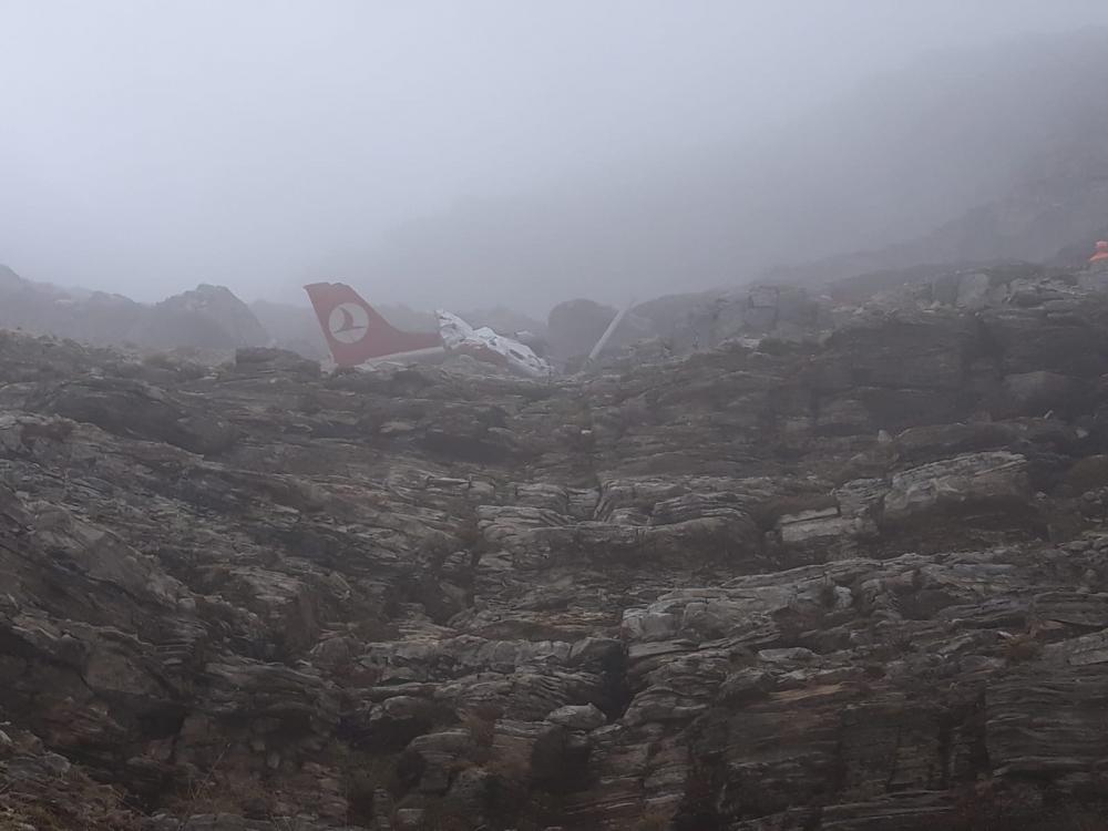 Düşen uçağın enkazı bulundu 1