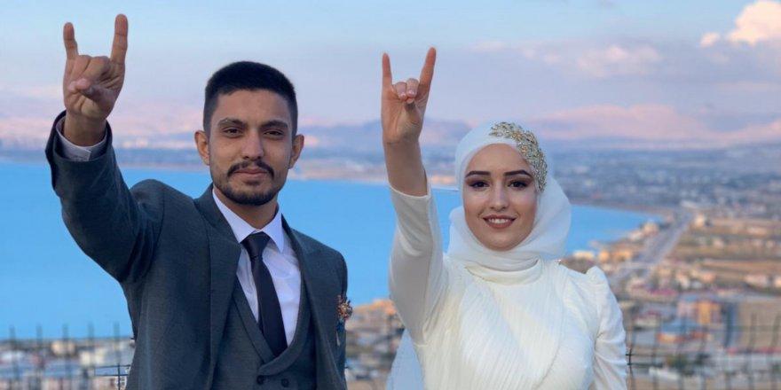 Türkan ve Hamamcıoğlu Van'da nişanlandı