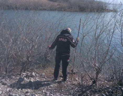 Bozdoğan'da baraj gölüne düşen balıkçı aranıyor