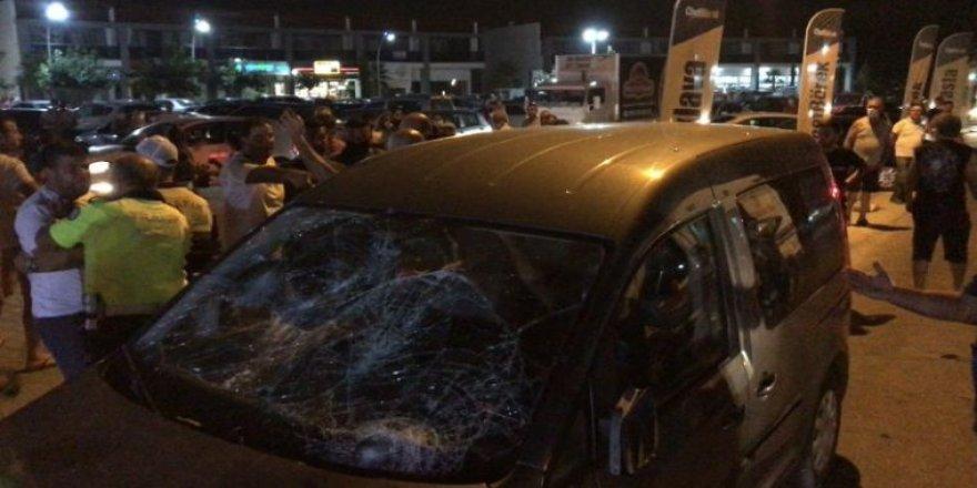Aydın'da 4 kişiye çarpan kişi kendini araca kilitledi