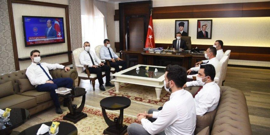Aydın Ülkü Ocakları Vali Aksoy'u ziyaret etti