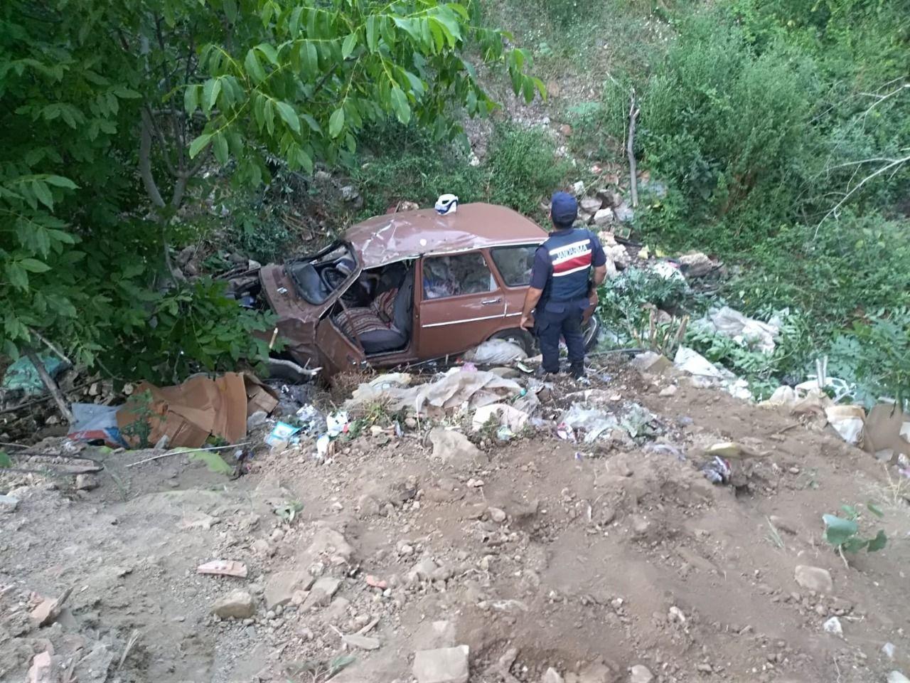 Aydın'da otomobil şarampole devrildi: 1 ölü, 1 yaralı