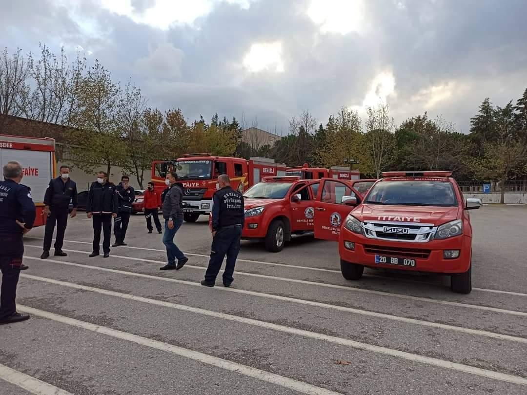 Denizli'den İzmir'e yaraları sarmak için yola  çıktılar